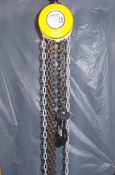 Manual Chain Hoists - 1T x 3Mtrs Lift