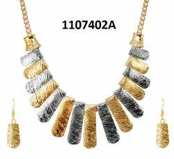 珠宝市场黄金声明项链套装