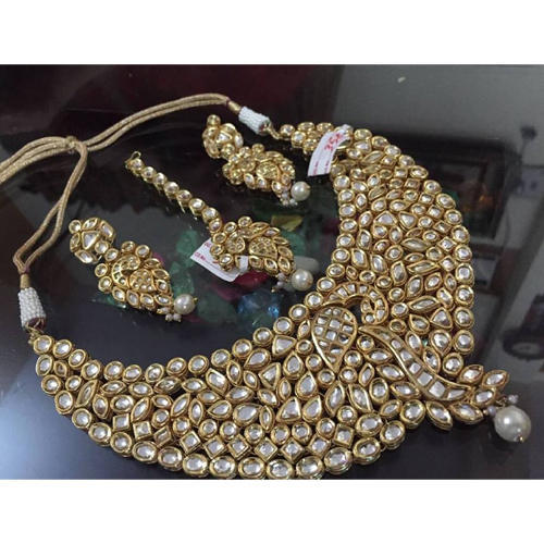 20674290898005 Partywear Fashion Jewelry Golden Kundan Jewelry at Rs 4400 /set ...