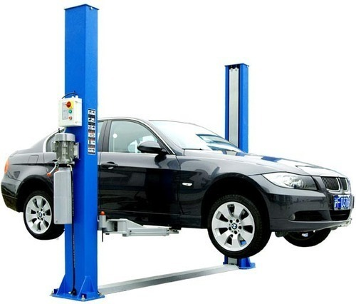 2 Post Two Post Lift, for Servicing, 2-4 Tons, Rs 95000 /unit Workshop  Tools Corporation | ID: 6808944348