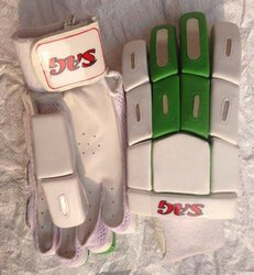 Batting Gloves (bolt)
