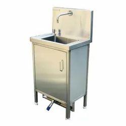 Surgical Scrub Sink