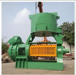 12 Bolt Commercial Oil Extraction Machine, Capacity: 60-100 Ton/Day