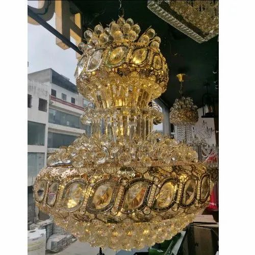 Golden Crystal Decorative Hanging, How To Hang A Heavy Crystal Chandelier