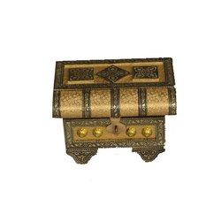 Brown, Golden Rectangle Handcrafted Wooden Box, Size: 6 Inch
