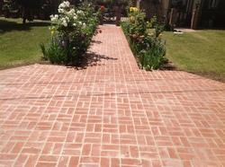 Cement Rectangular Yard Paving Block for Landscaping, Thickness: 15-35 mm