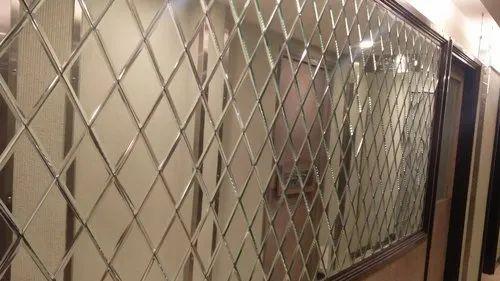 Saint Gobain Cluster Beveled Mirror Panel Rs 850 Square Feet Tarmal Glass House Id 18892813091