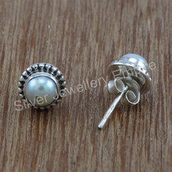 Fantastic Pearl Gemstone 925 Silver Stud Earring