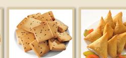 Namkeen Biscuit & Aloo Samosa