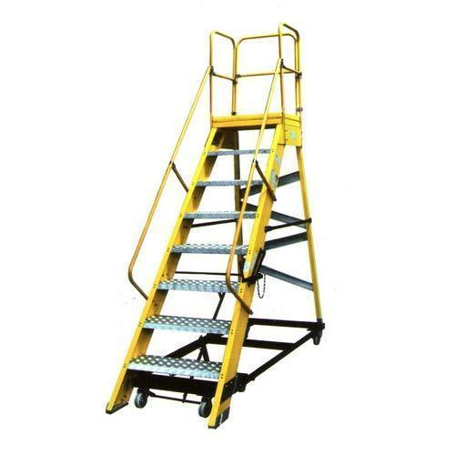 Aluminum Mobile Maintenance Platform Step Ladder, Weight: 240 Kg