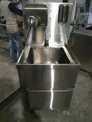 SS Pedestal Wash Basin