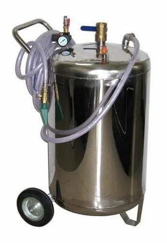 Pneumatic Operated Heugor Foam Car Washing Machine, in ...