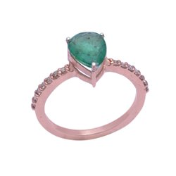 Emerald Diamond Ring crafted in Sterling Silver