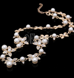 Eluceo Fashion Trendy Short Choker Simulated Pearl Inlaid With Crystal Flower Necklace - Gold Plated