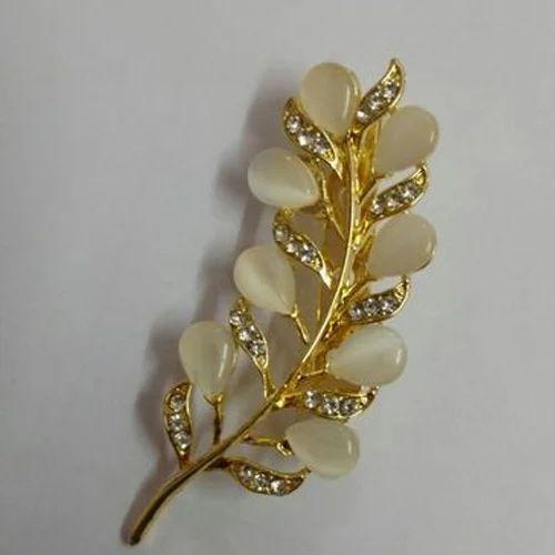 Pearl Saree Brooch Pin, Costume & Fashion Jewelry | Crown Creations