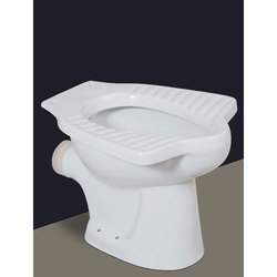 Closed Front WHITE AND COLOUR Anglo P Trape Water Closet, For Bathroom Fitting