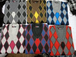 V Neck Full Sleeves Pullover Sweater, Size: Free Size