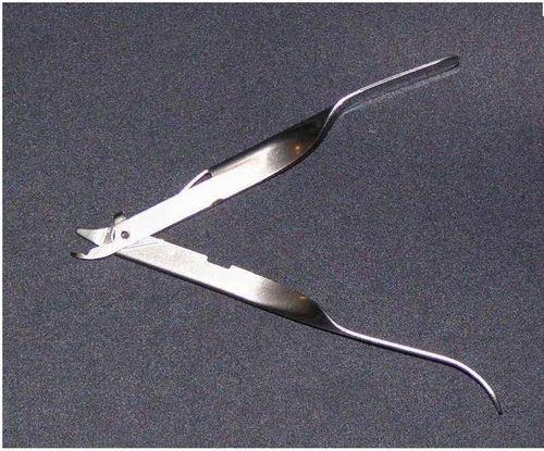 Skin Staple Remover | Futura Surgicare Private Limited