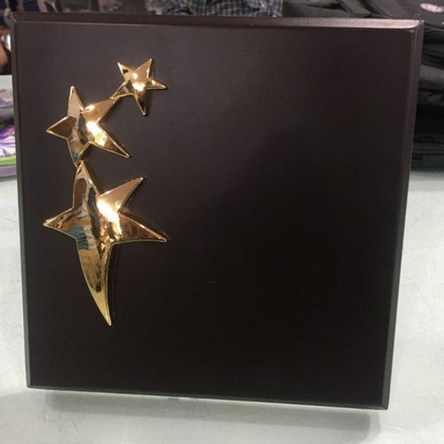 Black,Golden Plain 3 Star Wooden Memento, for Office