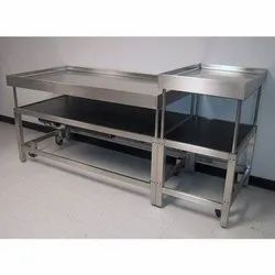 SS Hotel Trolley, Load Capacity: 350-400 kg, Size: 2.5 - 3 Feet (height)