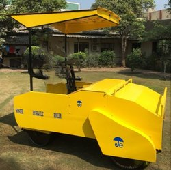Jwalant Yellow Wonder 1500 Kg Hydraulic Drive Ride On Cricket Pitch Roller
