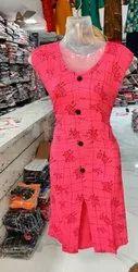 umbrella pink Rayon printed kurti, Size: XL