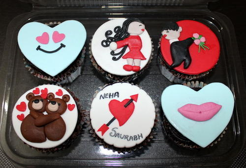 Customized Designer Fondant Cupcakes