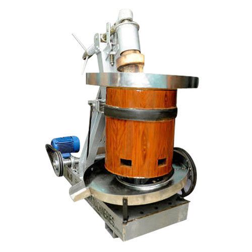 Risabam 6 (L) x 2.5 (W) x 4.5 (H) feet 3HP Marachekku Edible Oil Extraction Machine, Capacity: 15-20 kg/hr