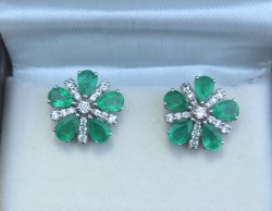 18k White Gold Emerald and Diamond Stud Earring