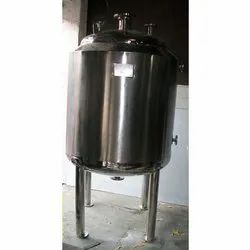 Liquid Storage Vessel