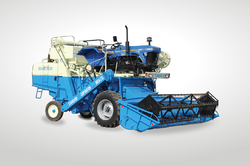 Standard 4WD TSC -513 Combine Harvester, 30-50 HP