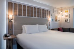 Plain Hotel Furnishing Items