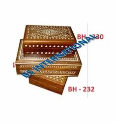 Polished Wooden Gift Box, Size: 8x6x3