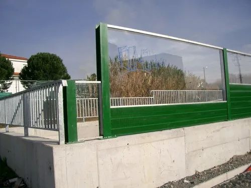 Wall Highway Noise Barriers, Greenvent Acoustic Private