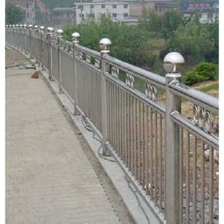 Stainless Steel Fence, Material Grade: Ss302