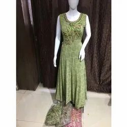 Embroidery Silk Ladies Green Embroidered Suit