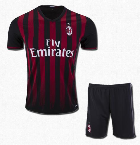 official photos 49dbd fecf1 Ac Milan Football Jersey And Shorts Home 16 17 Season
