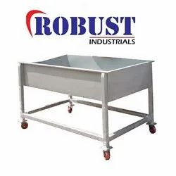 Robust Ss Peanuts Cooling Trolley, For Industrial, Load Capacity: 300 To 500 Kg