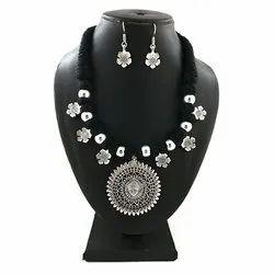 Fashion Thread Necklace Set