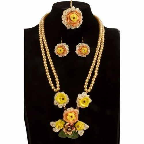 Yellow Flower Necklace Set, Packaging Type: Box