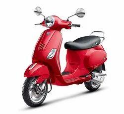 Red Vespa VXL 125