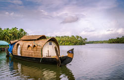Alleppey Houseboat Tour Packages At Affordable Rates, Kochi
