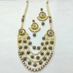 Golden Ladies Stylish Necklace Set