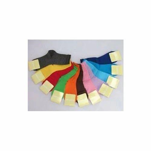 good texture on feet shots of wholesale outlet Coloured Mens Plain Cotton Socks