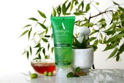 Aaranyaa Natural Neem Tulsi Face Wash Anti Bacterial Sulphate free, Packaging Type: Tube, Packaging Size: 110 Ml