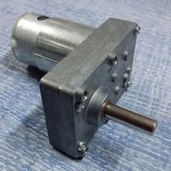Single Phase Square Gear Dc Motor High Torque, Voltage: 12 V, 150 Rpm