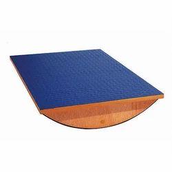Balancing Equilibrium Board