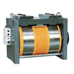 Upper Traction Machine, Capacity: 0-2 Ton