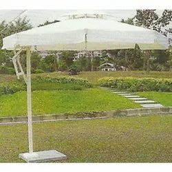 Center Pole Umbrella And Loungers