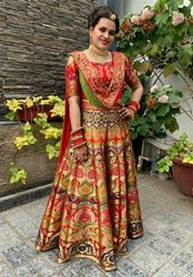 Raso Fashion Destination Wedding Wear Banarasi KimKhab Lehenga Choli, 21 Kali Unstitched